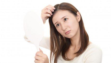 髪の毛が細くなるのはなぜ?健康的な髪の毛に戻すことはできる?