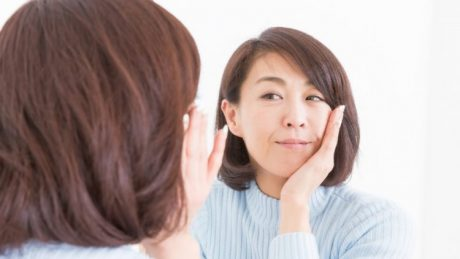 更年期の肌荒れ対策は「やりすぎ」に注意!適切な方法でケアしよう