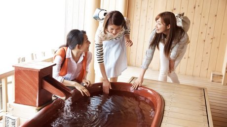 お風呂の温度は何度がいいの?季節や体温ごとの適温を紹介