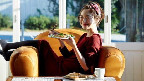 美肌への近道は正しい食事から!毎日の食事に取り入れたい3つの要素