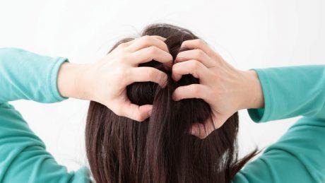頭皮の臭いケアにおすすめな対処方法について