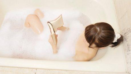 お風呂で読書を楽しむ方法について!便利グッズも紹介します!