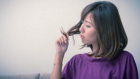 髪の傷みが気になるときの裏技はこれ!原因と改善方法も