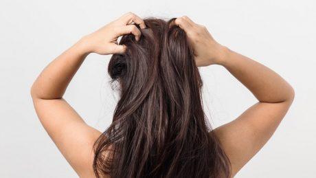 頭皮がかゆい!乾燥を抑える方法と季節ごとの対策を紹介