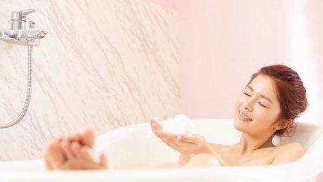 自宅のお風呂で簡単にできるヨガ3選!お風呂ヨガをするメリットについても紹介!