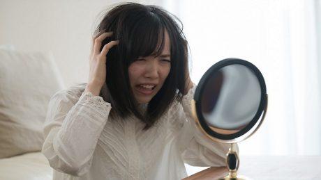 くせ毛女子の雨の日対策!湿気が多い日でもまとまりのある髪へ!