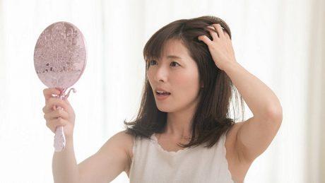 くせ毛の原因は毛穴かも?毛穴の形状を整えることはできる?