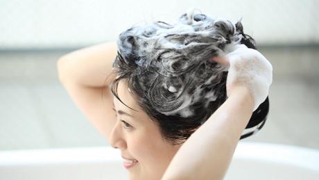 頭髪の悩みにはスカルプケアを!よくあるトラブルの対処方法とおすすめシャンプー