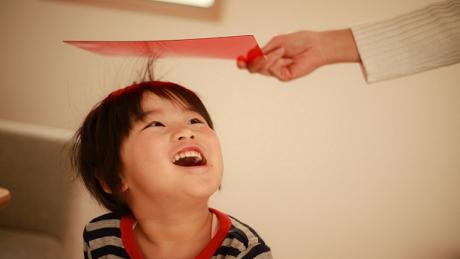 静電気から髪を守る方法を解説!